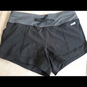 Avia Shorts Size M